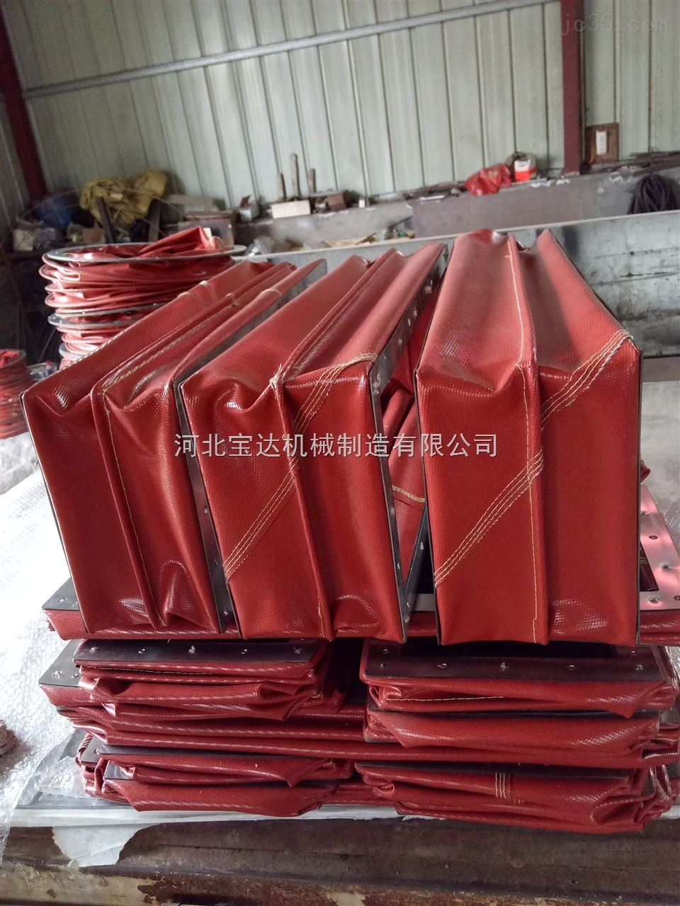 供应电厂耐高温方形硅胶通风伸缩软连接