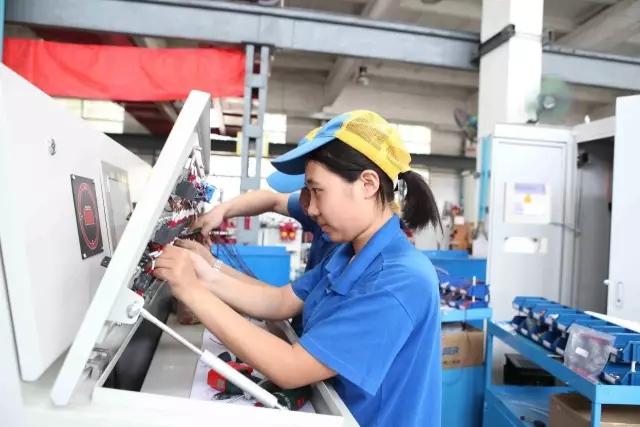 济南二188bet举办庆祝三八妇女节大型趣味活动